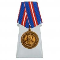 Медаль 300 лет полиции России на подставке