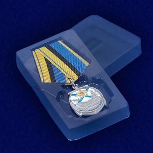Медаль для ветеранов ВМФ - вид в футляре