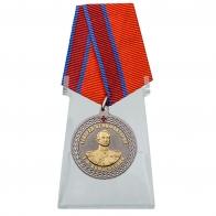 Медаль Генерал от инфантерии Е.Ф. Комаровский на подставке