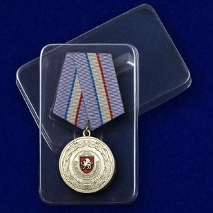 """Медаль Крыма """"За доблестный труд"""" в футляре"""