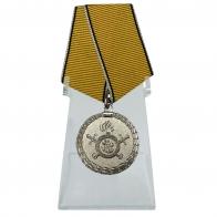 Медаль МВД За разминирование на подставке
