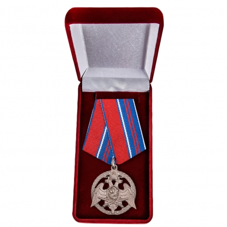 """Медаль Росгвардии """"За проявленную доблесть"""" в футляре"""