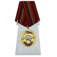 Медаль Спецназа ВВ За заслуги на подставке