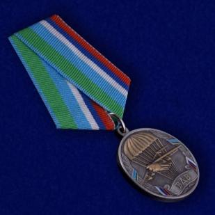 Медаль ВДВ Никто, кроме нас в футляре с удостоверением - общий вид