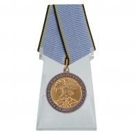 Медаль Ветеран боевых действий на Кавказе на подставке
