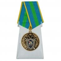 Медаль Ветеран следственных органов на подставке