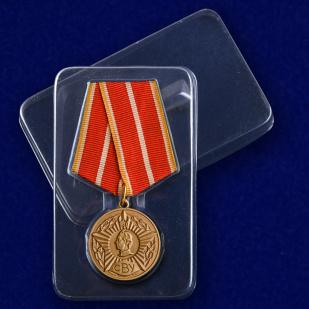 Медаль Выпускнику Суворовского военного училища в футляре