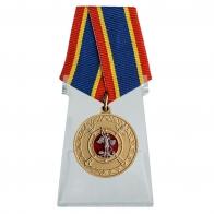 Медаль За добросовестную службу в полиции на подставке