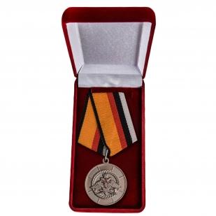 """Медаль """"За инженерное обеспечение"""" в футляре"""