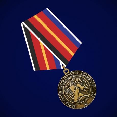 """Медаль """"За оказание интернациональной помощи Анголе"""""""