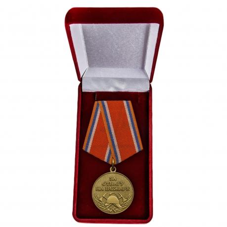 """Медаль """"За отвагу на пожаре"""" МЧС в футляре"""