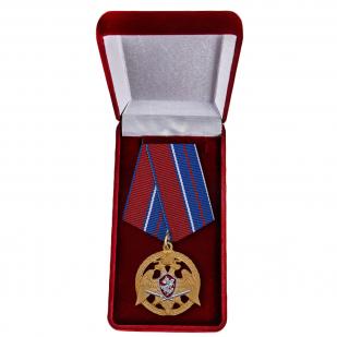 """Медаль """"За проявленную доблесть"""" в футляре"""