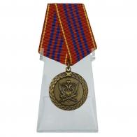 Медаль За службу 3 степени на подставке
