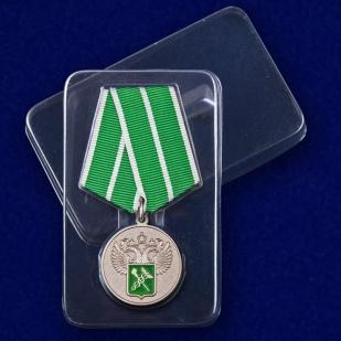 """Медаль """"За службу в таможенных органах"""" 1 степени  в футляре"""