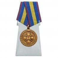 Медаль За укрепление уголовно-исполнительной системы 1 степени на подставке