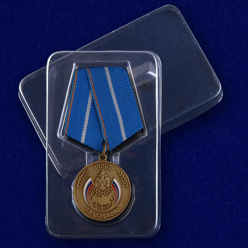 """Медаль """"За усердие"""" МЧС России в футляре"""