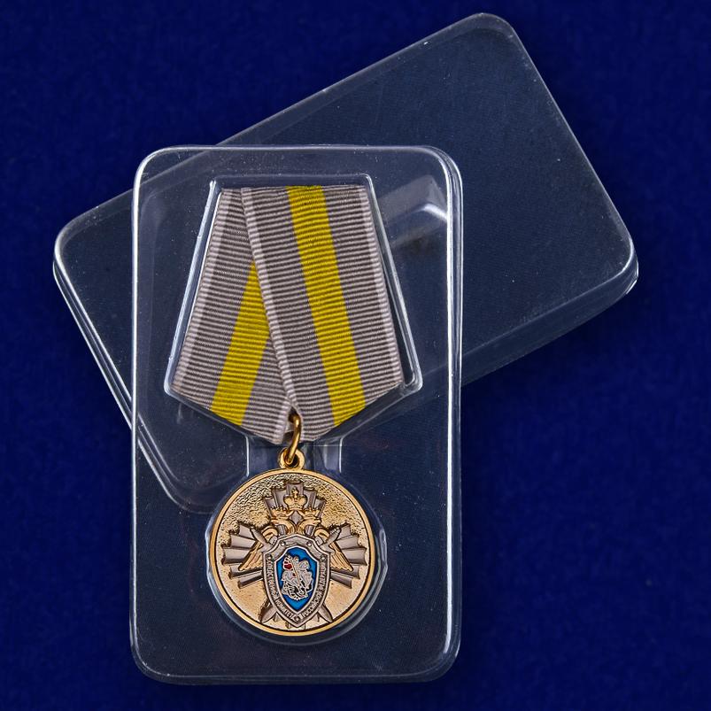 Медаль СК РФ За заслуги - в пластиковом футляре
