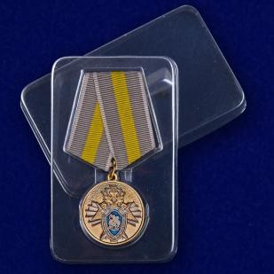 """Медаль """"За заслуги"""" (СК России) в военторге Военпро"""