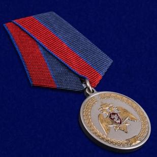 Медаль За заслуги в укреплении правопорядка Росгвардия - общий вид