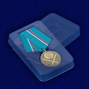 Футляр к медали Защитнику рубежей Отечества