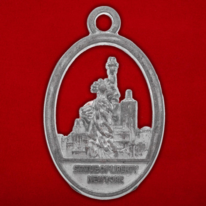 """Медальон """"Статуя Свободы"""" - оборотная сторона"""