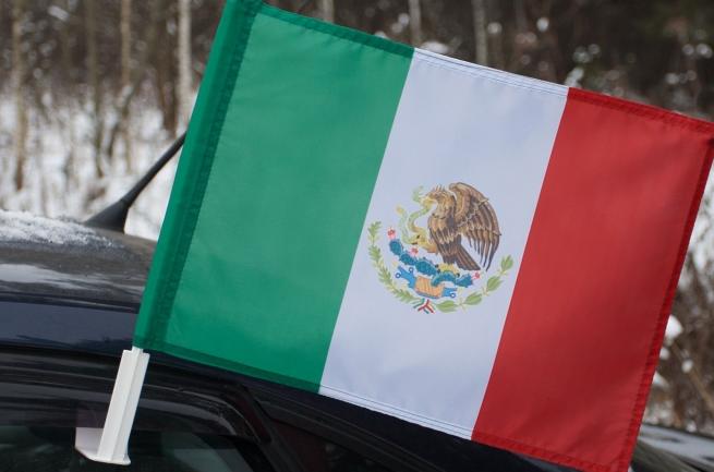 Мексиканский флаг на машину