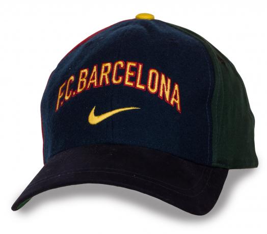Модная бейсболка F.C. Barcelona.