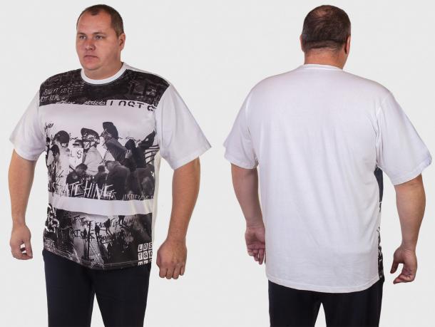 Модная футболка ROCAWEAR для больших мужчин.