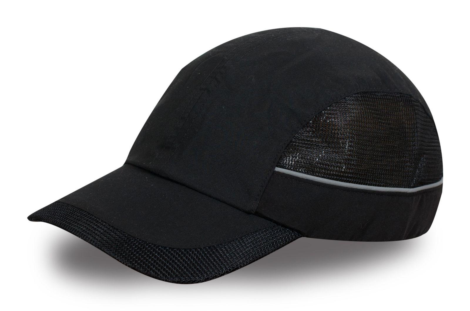 Модная кепка черная