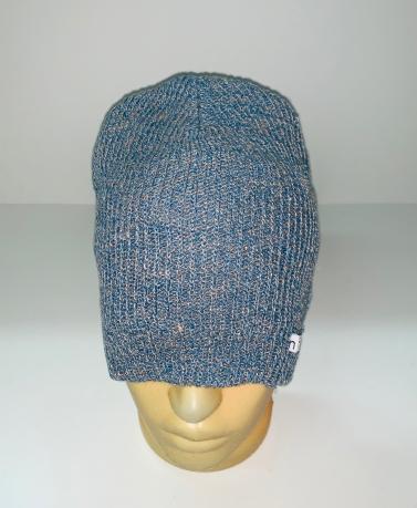 Модная серо-голубая шапка