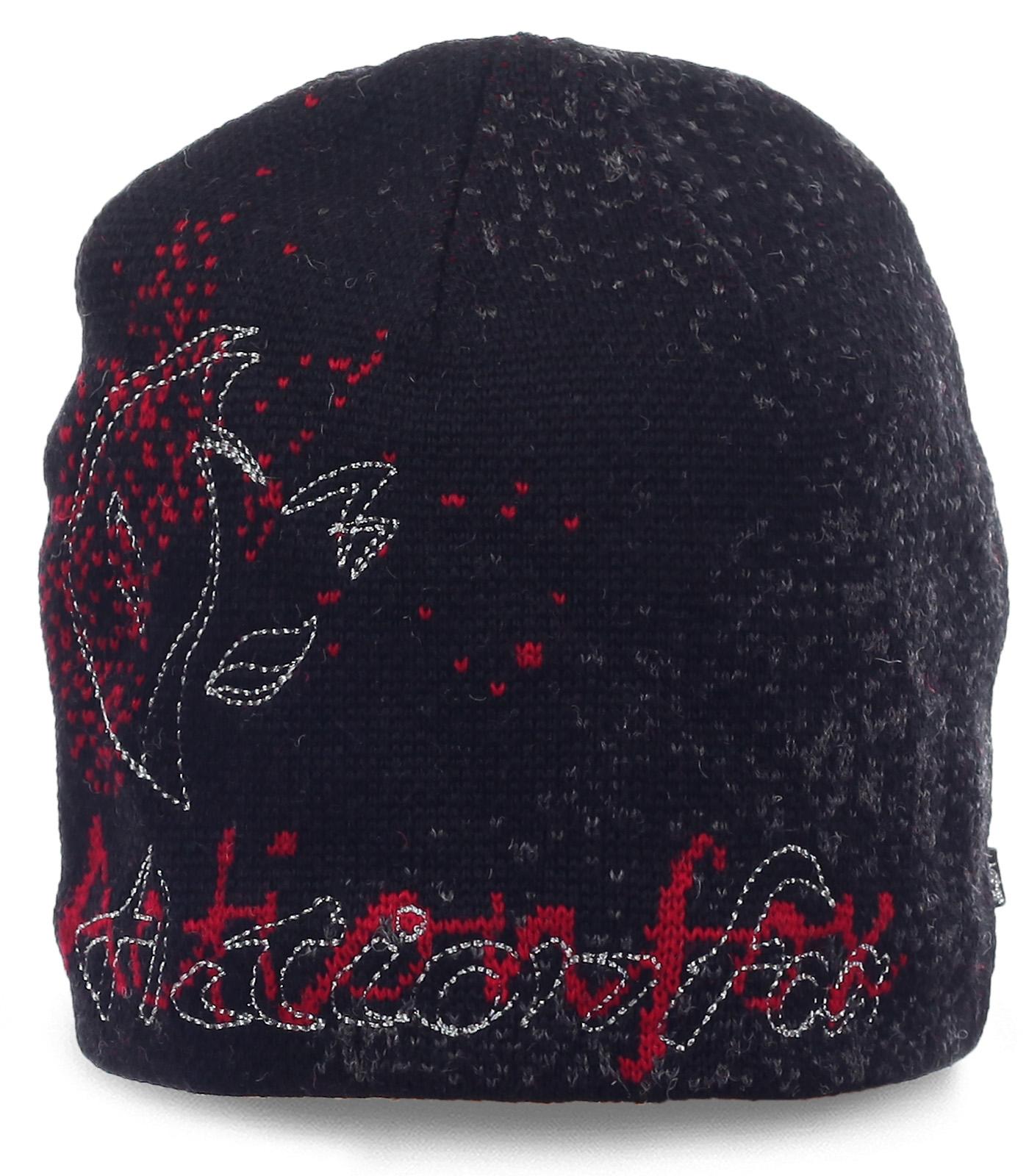 Модная шапка Action на флисе. Комфортная модель для спортивных девушек