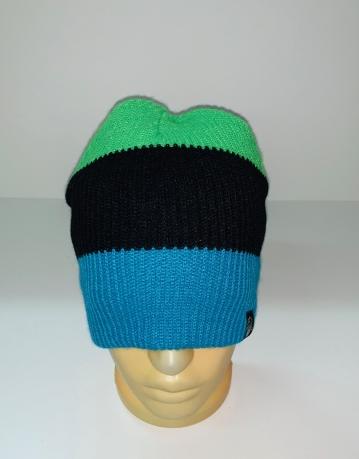 Модная шапка из трех цветных полос