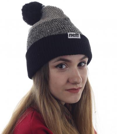 Модная шапка Neff с веселым бомбоном. Стильная модель девушек, знающих толк в моде