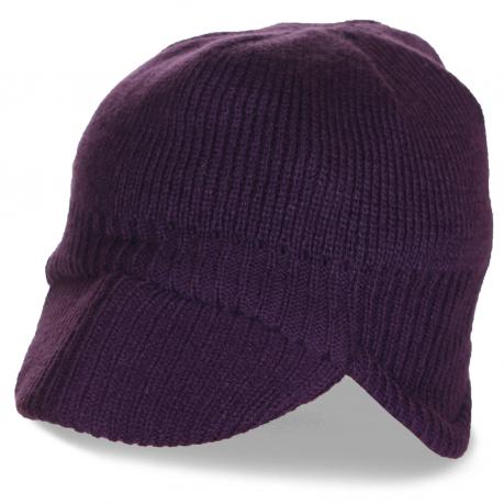 Модная шапка с козырьком и ушами. Комфортная вязаная модель