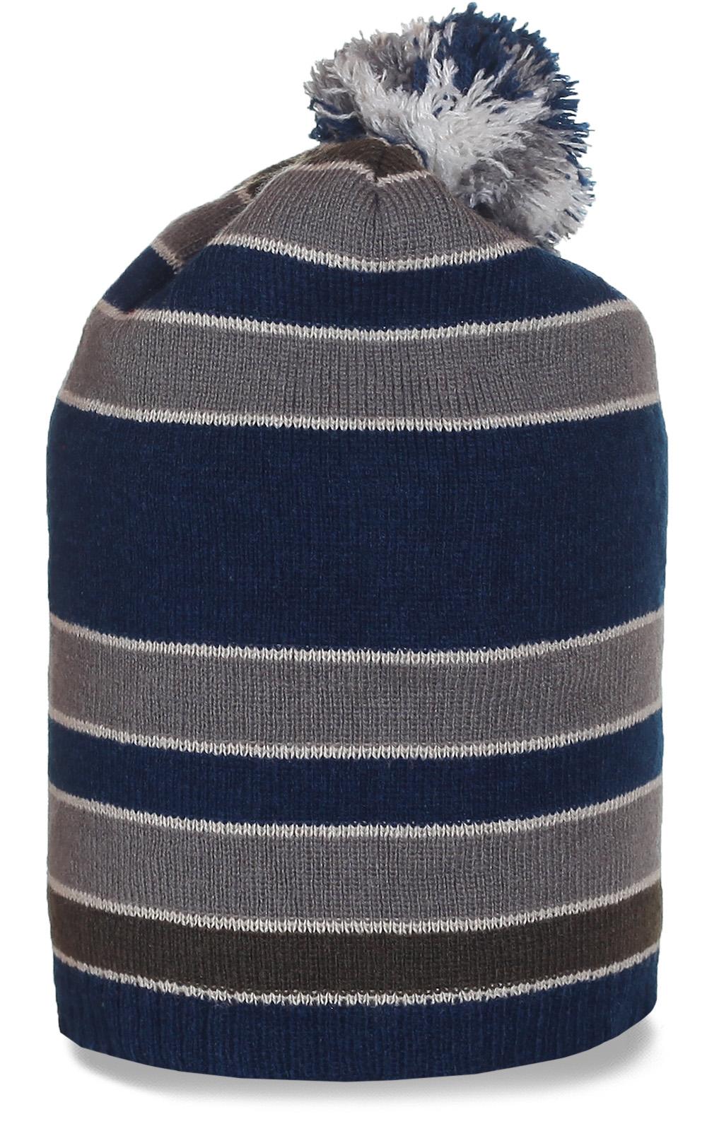 Модная шапка с помпоном. Удлиненная молодежная модель