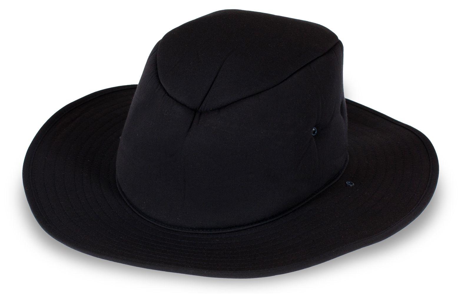 Модная шляпа черного цвета