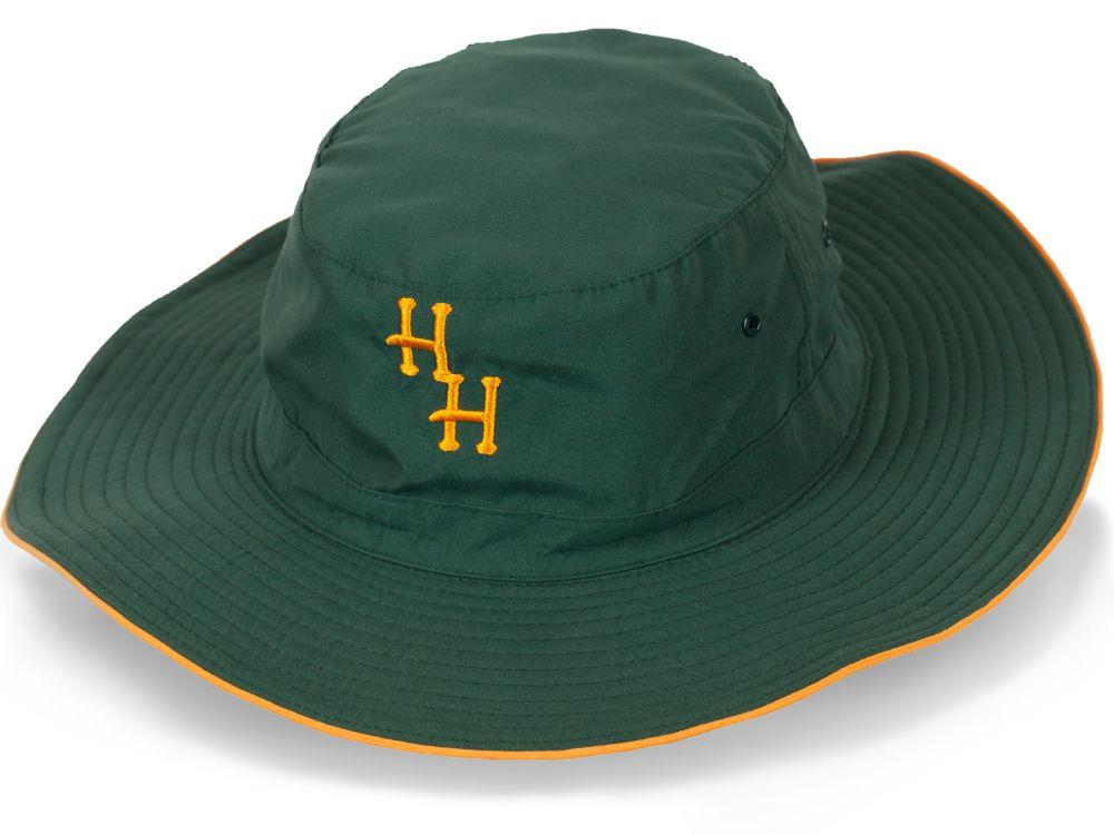 Модная шляпа для лесных прогулок