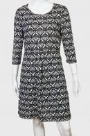 Модное платье с рукавом три четверти Earth Bouhd Trading