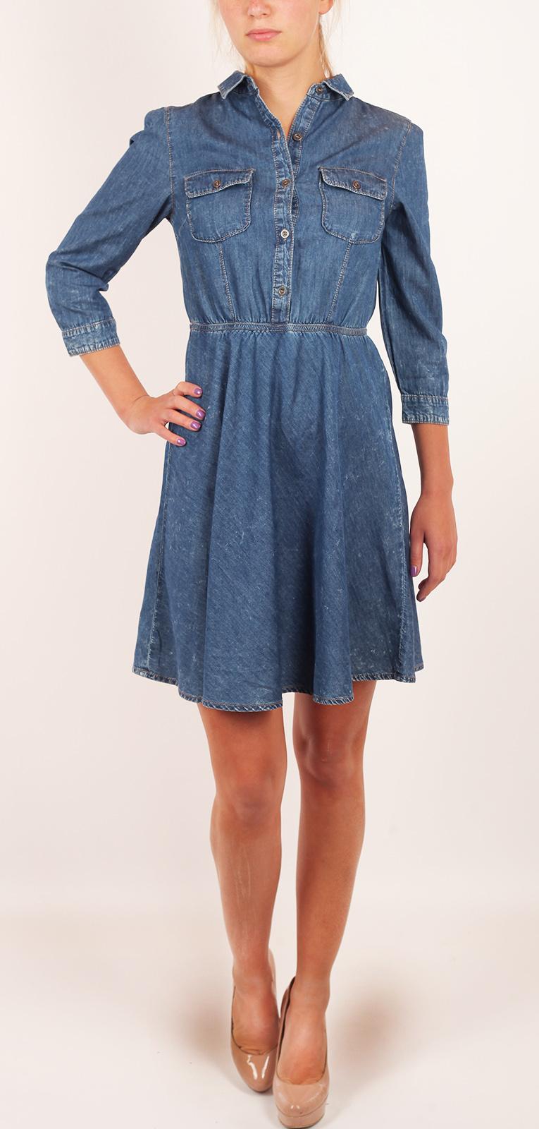 Модное джинсовое платье DNN в стиле бэби долл. Гремучая смесь невинности и соблазна. Кокетливые кармашки на груди, рукав ¾ и обнаженные коленкиджинсовые платья купить магазин