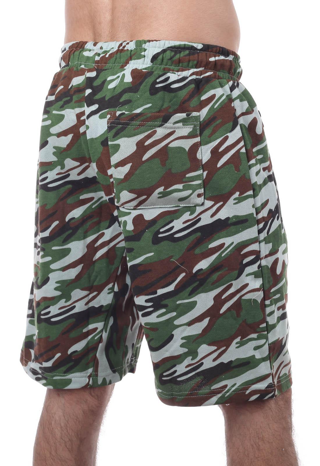 Модные камуфляжные шорты с нашивкой Русская Охота - купить в Военпро