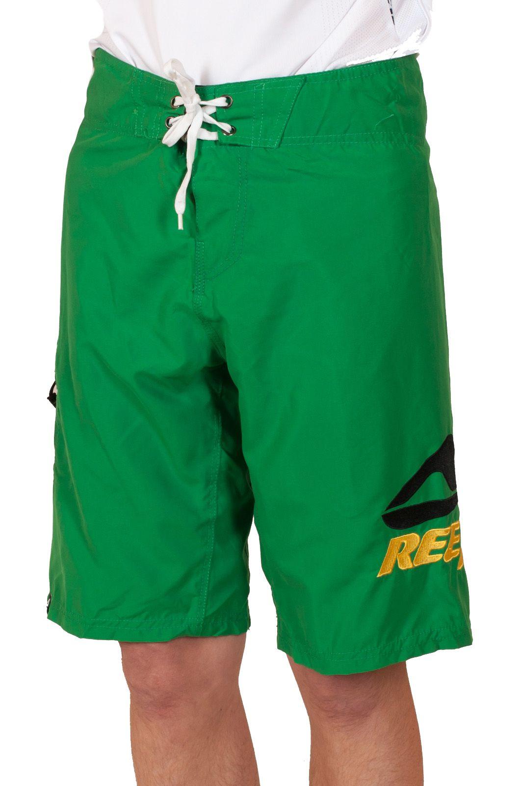 Модные подростковые шорты Reef - вид спереди