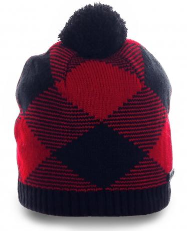 Молодежная элегантная шапка в шотландском стиле – хит сезона