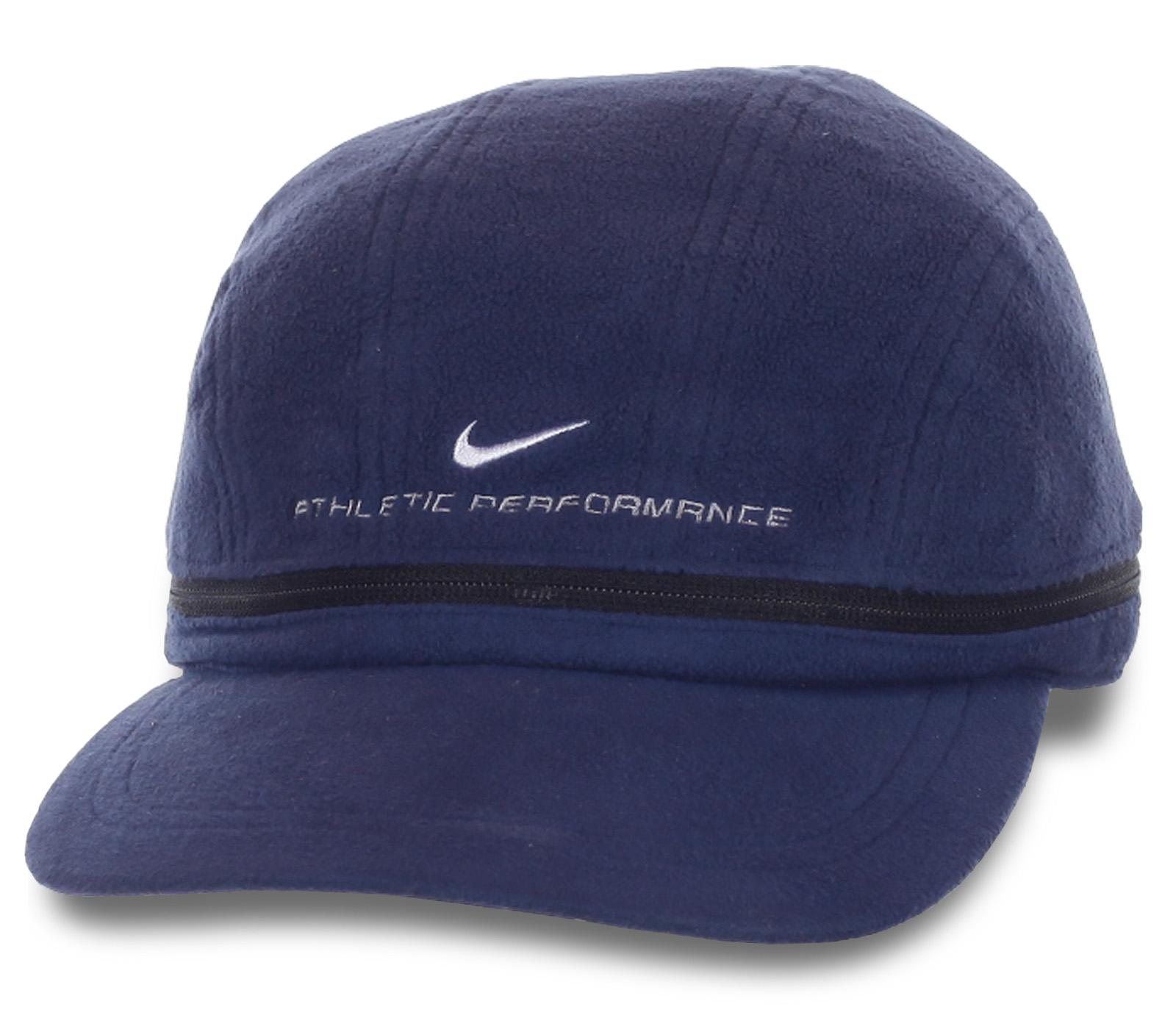 Молодежная кепка в универсальном стиле.