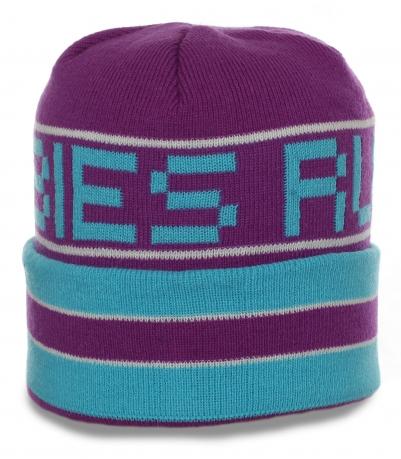 Молодежная привлекательная шапка с отворотом яркой расцветки для занятий спортом