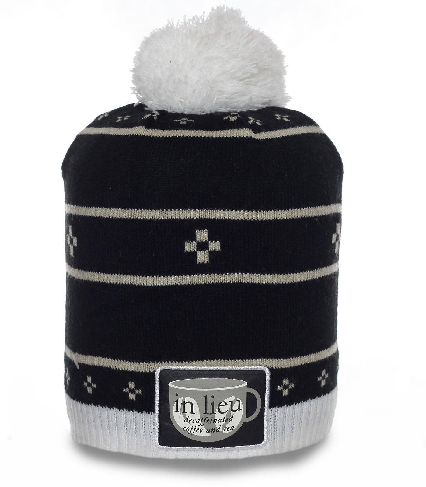 Молодежная шапка In Lieu. Фирменная модель для холодной погоды