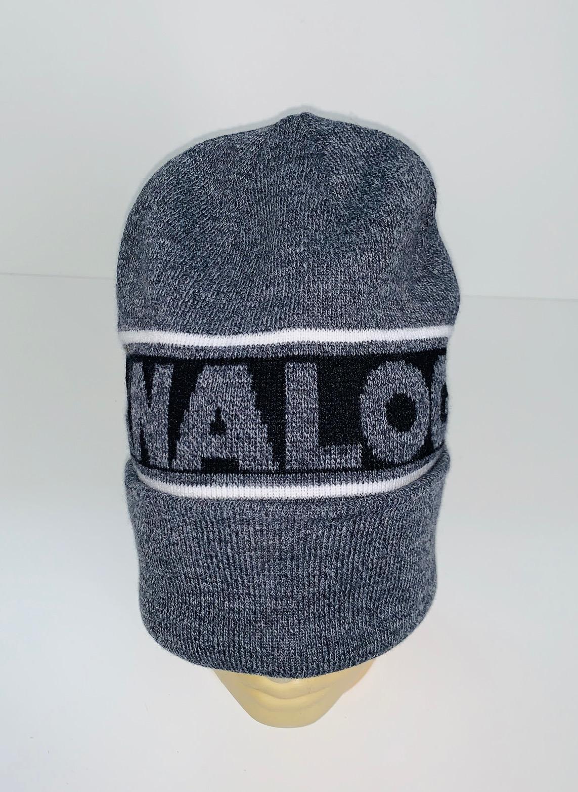 Молодежная шапка с надписью