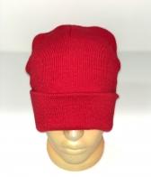 Молодежная ярко-красная шапка