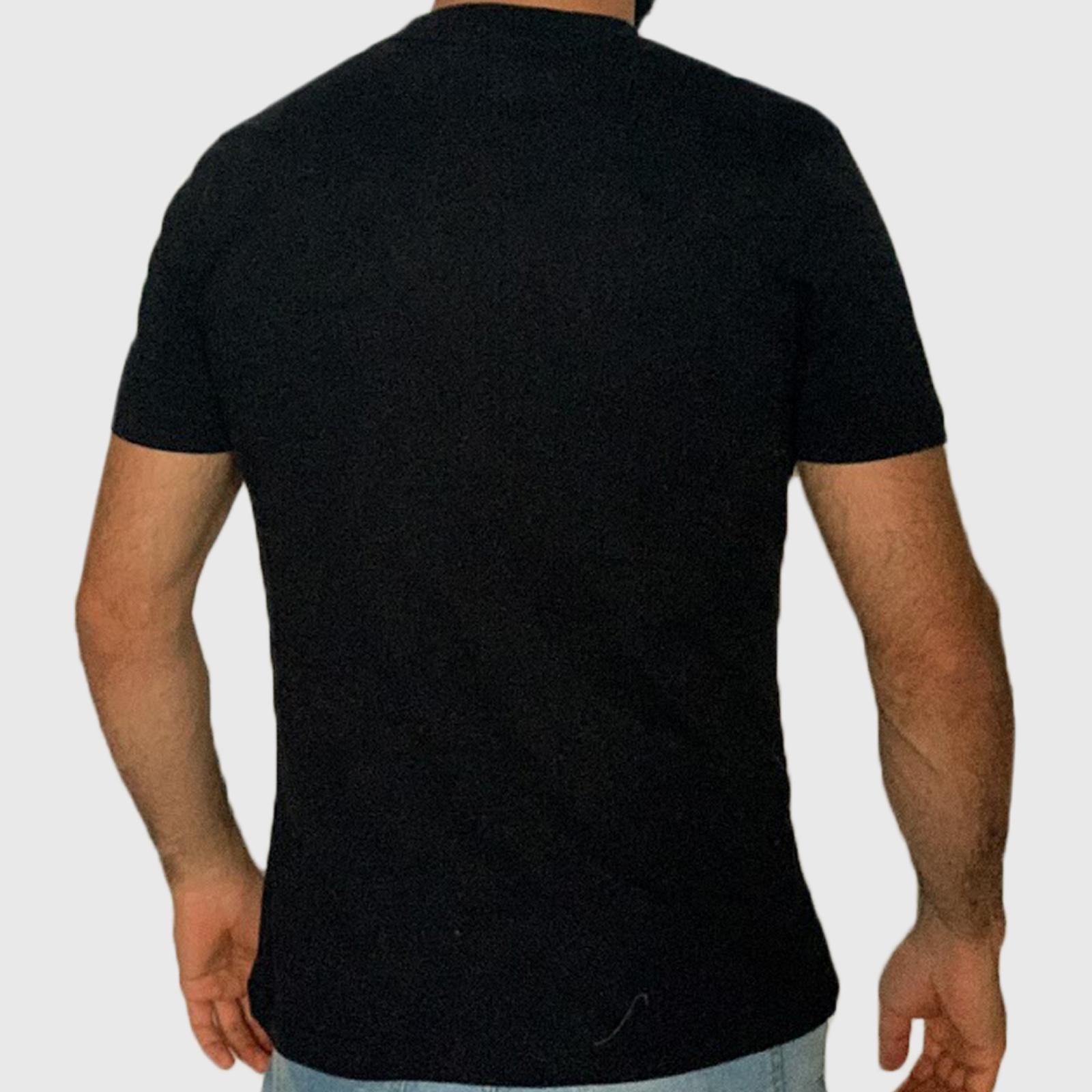 Мужская черная футболка с рисунком по специальной цене