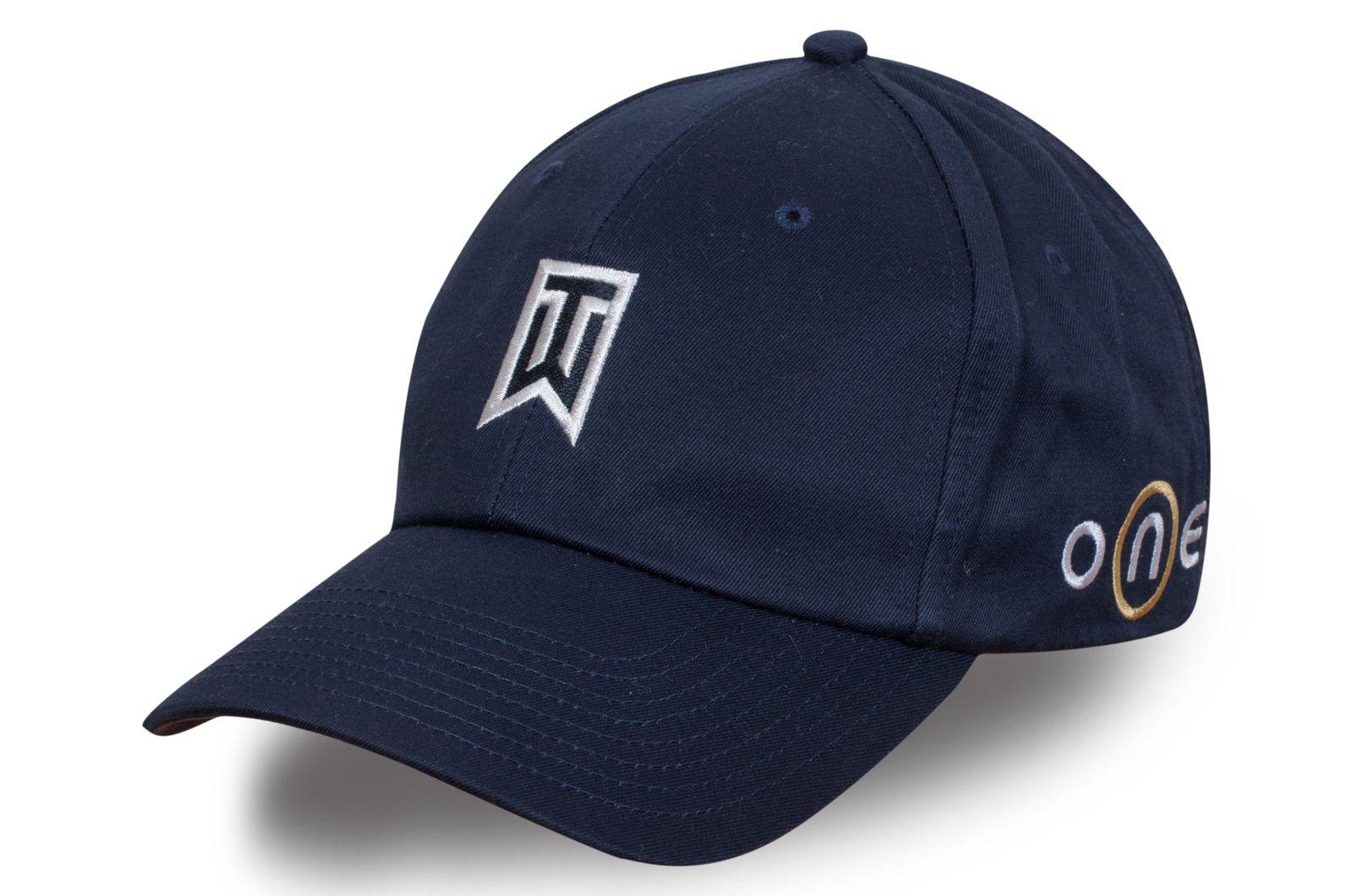 Мужская бейсболка с лого