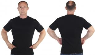 Мужская черная футболка с доставкой